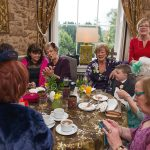 castel, fdurrow, wedding, photograohy, guests, colourful, natural, mingle