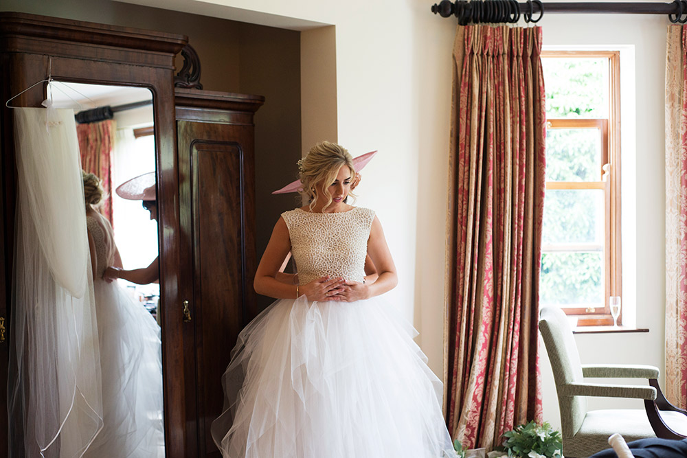 bride getting ready at tinakilly country house