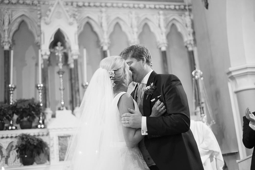 kissing the bride celbridge church wedding