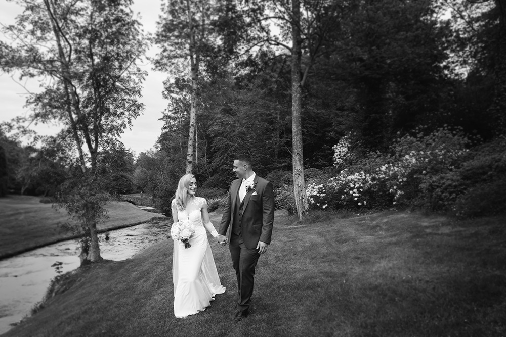 amazing wedding photos outside druids glen