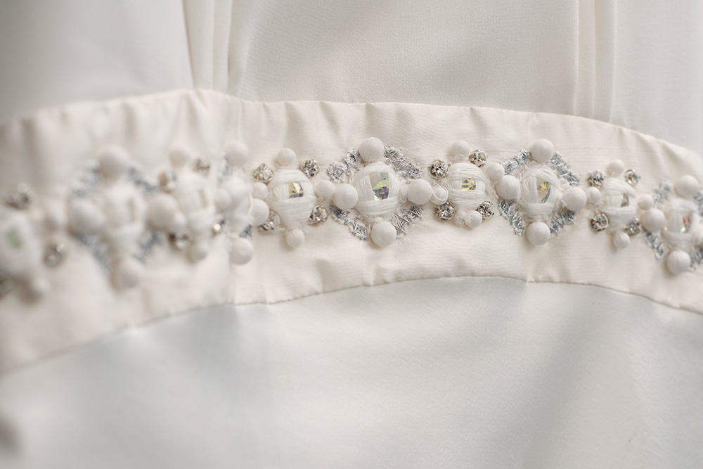 wedding dress details barnardos