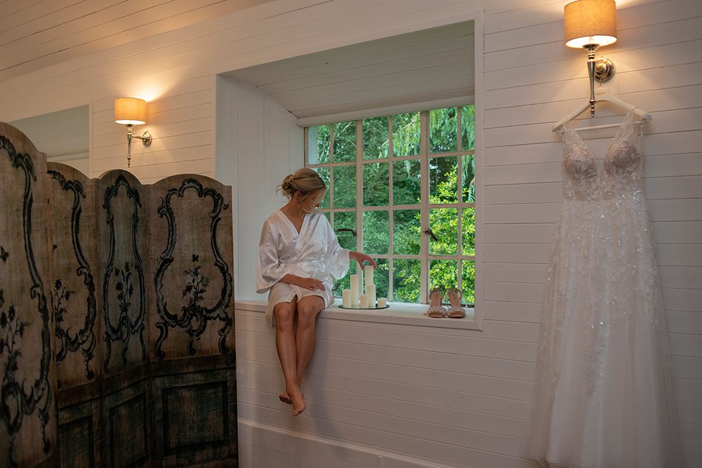 bride getting ready for a beautiful wedding at Rathsallagh House